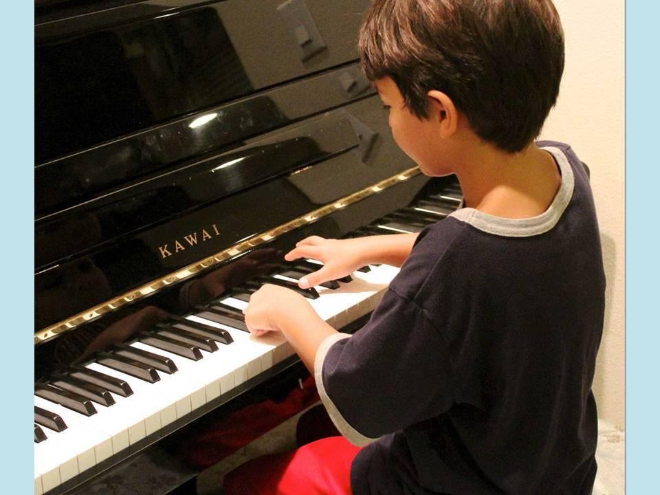 Bub Klavier hellblau